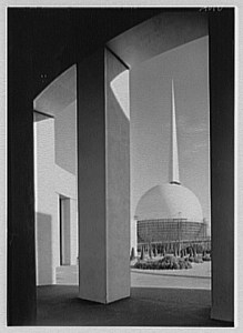 View of the 1939 theme buildings, The Trylon and Perisphere by Samuel Gottscho, 1939.