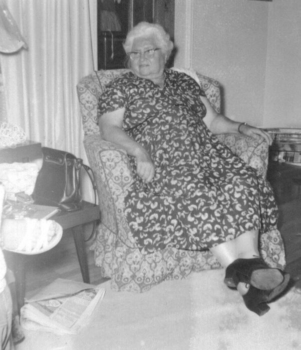 Viola Mara, late in life