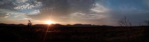 Ráno před startem se slunce tváří mírumilovně ...