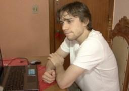 Caio Azeredo superou o vício em internet.