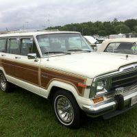 Top 10 - Best-Looking SUVs