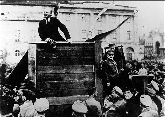 Manipulated Photoshop Photos - Lenin Addresses the Troops 1920 Original