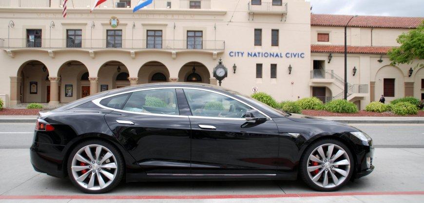 Tesla,Model S, best-seller