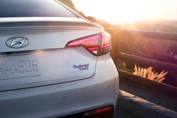 2016 Hyundai, Sonata Hybrid, mpg, fuel economy