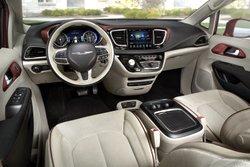 2017,Chrysler,Pacifica,minivan,plug-in hybrid