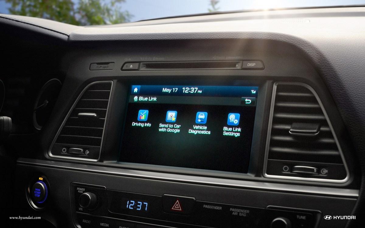 2016 Hyundai Sonata touchscreen