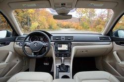 2016,VW,Volkswagen,Passat,interior