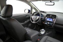 2016 Nissan Leaf SL, interior