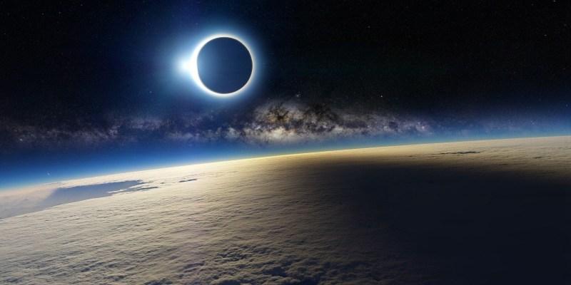 6994882-earth-and-moon