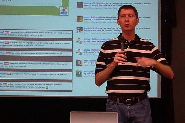 Clif Mims sharing the keynote presentation at Podstock 2009.