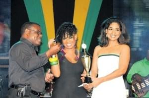 Abbygaye Dallas (center) 2012 Festival Song winner