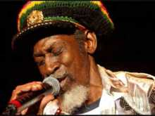 BUNNY WAILER, BERES HAMMOND AMONG FOUR ARTISTS TO RECEIVE KEYS TO KINGSTON'S CITY!