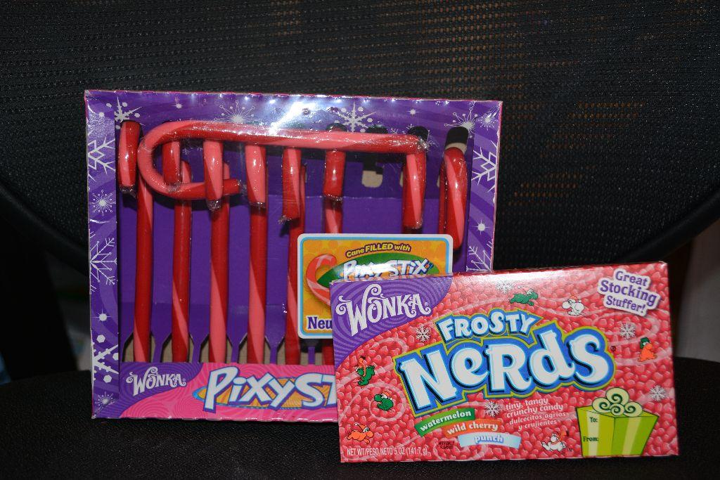 REVIEW: Nestle Seasonal Holiday ~ Wonka Frosty Nerds & Pixy Stix Candy Cane