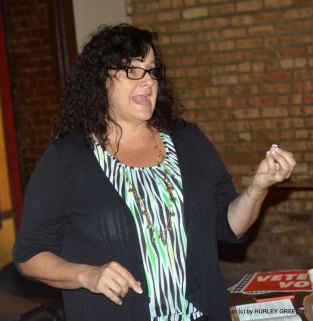 Germaine Clarno, President of AFGE local 781 at Hines VA, makes a point at the Town Hall meeting.
