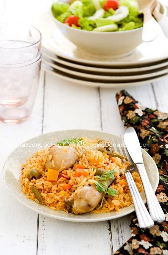 Locrio de pollo (arroz con pollo)