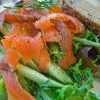 Nutritiva Ensalada de Salmón en Amaranto