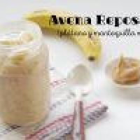 Avena Reposada con Plátano y Mantequilla de Maní