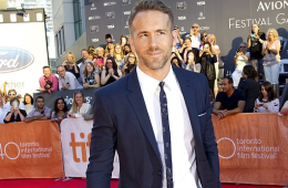 MAN CANDY: Ryan Reynolds (And His Bulge) Look Dapper On Red Carpet