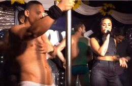Cock For The Summer: Audience Forget Demi Lovato Exists As She's Stage-Bombed By Dancer's Anaconda [NSFW]