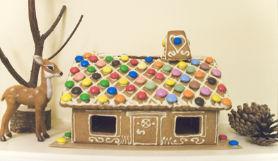 Coco&Me - IKEA ginger bread house with smarties and white chocolate piping - www.cocoandme.com