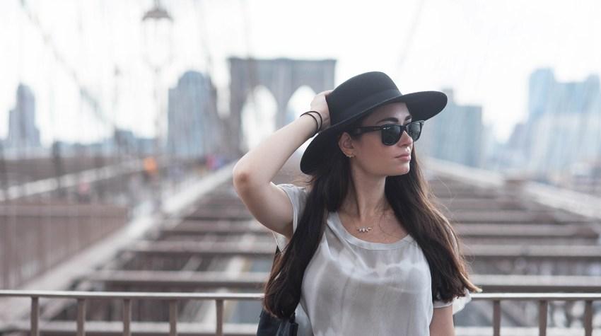 coco-and-vera-best-vancouver-style-blog-best-canadian-style-blog-top-blogger-portrait-cee-fardoe-brooklyn-bridge-gentlefawn-dress-hm-hat-rayban-wayfarer-sunglasses-leah-alexandra-necklace