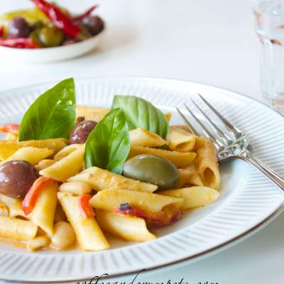 Pasta with Cannellini Bean Sauce