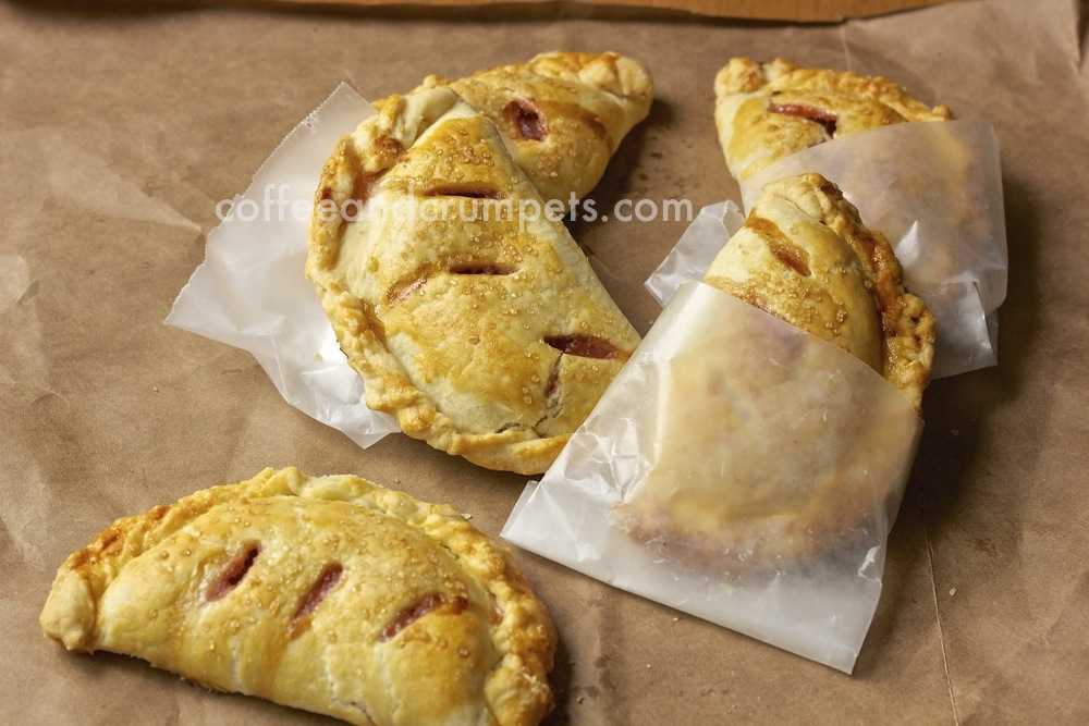 apple rhubarb hand pies