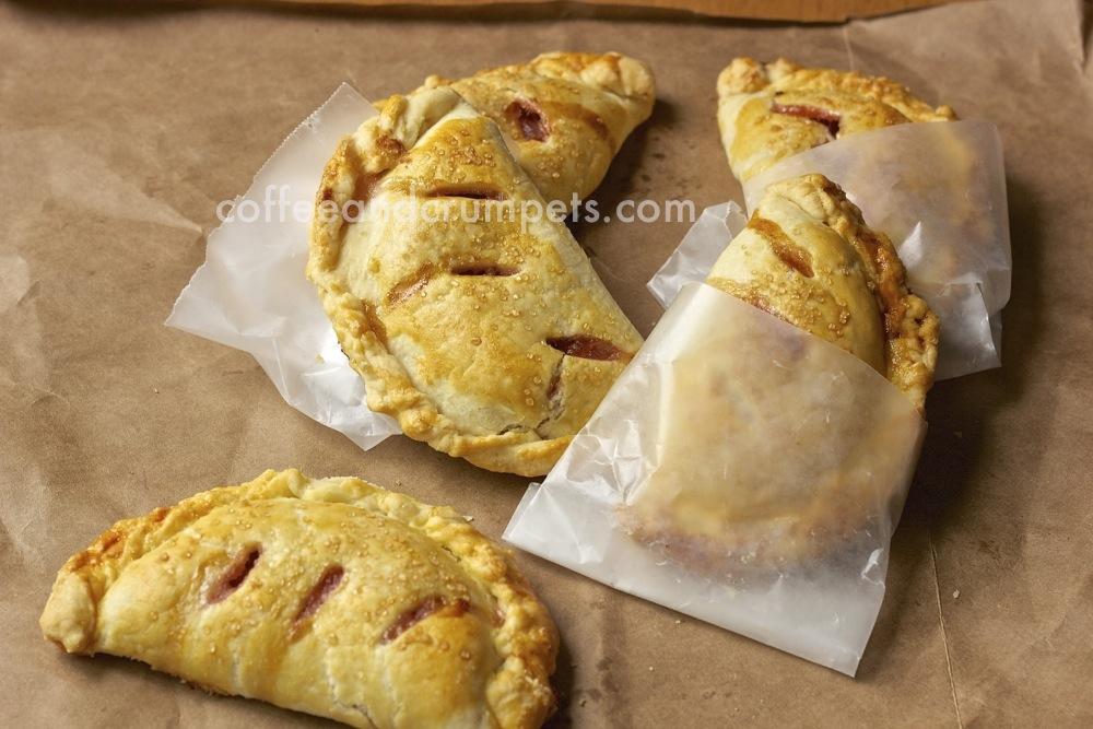 apple rhubarb hand pies