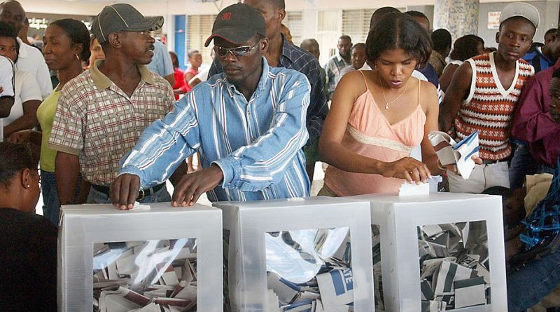 1024px-Haitians_voting_in_the_2006_elections