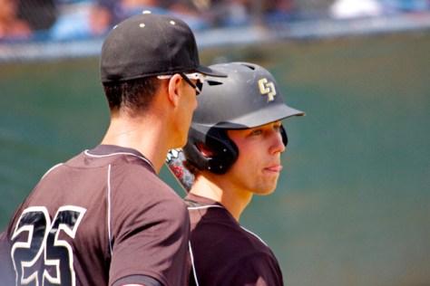 Jordan Ellis gets last-second advice from Teddy Warrecker. (Photo: Shotgun Spratling)