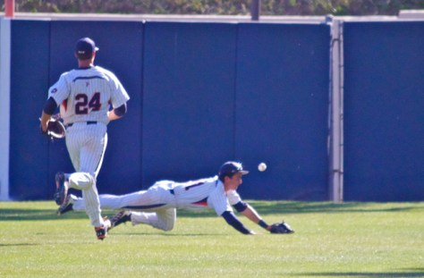 Bryan Langlois can't make the diving catch. (Photo: Shotgun Spratling)