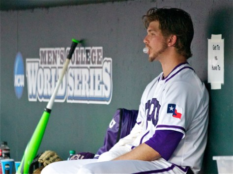 Jordan Kipper blows a bubble in the dugout. (Photo: Shotgun Spratling)