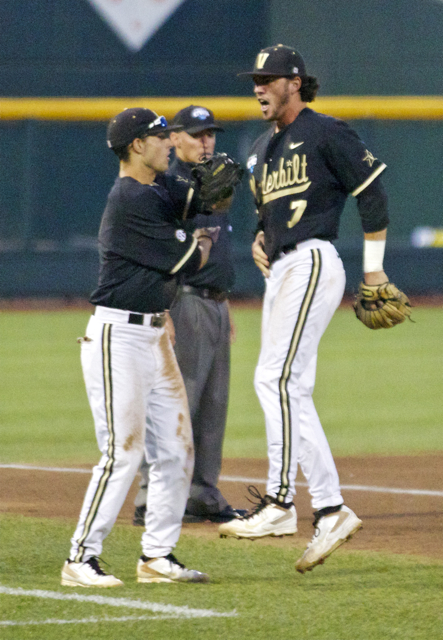Dansby Swanson is ecstatic after the turned double play. (Photo: Shotgun Spratling)