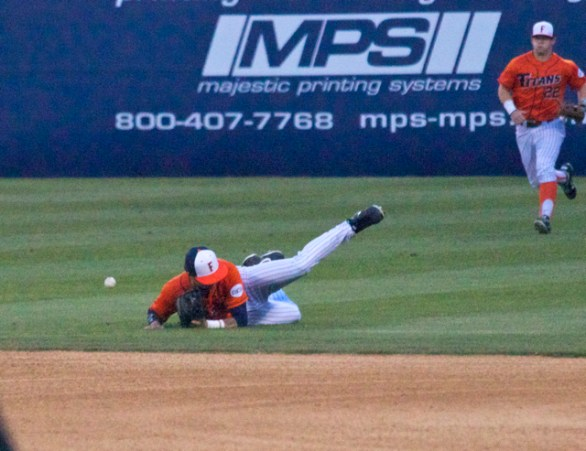 Taylor Bryant slides by the ball. (Photo: Shotgun Spratling)