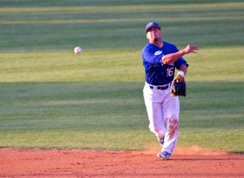 Cody Hough makes a play up the middle. (Photo: Shotgun Spratling)