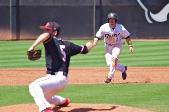 Joey Swanner leads off second base. (Photo: Shotgun Spratling)