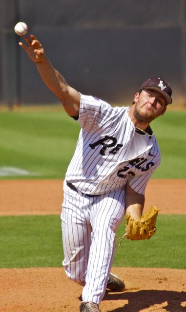 Cody Roper throws a changeup. (Photo: Shotgun Spratling)