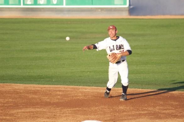 David Fletcher gets to a ball up the middle. (Photo: Shotgun Spratling)