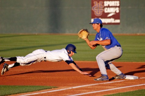 Grant Palmer dives back to first as Tyler Kuresa waits. (Photo: Shotgun Spratling)
