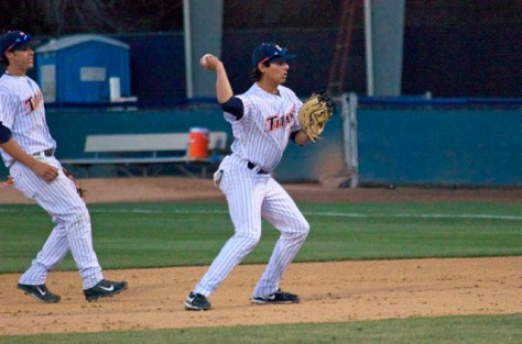 Greg Velazquez was busy at first base. (Photo: Shotgun Spratling)