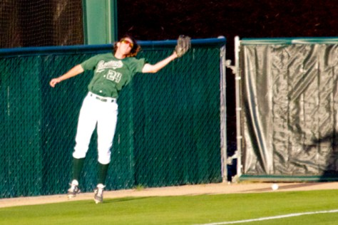 Tim Wise overruns a foul fly. (Photo: Shotgun Spratling)