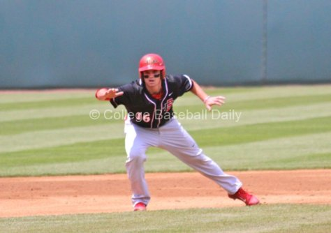 Ryan Muno leads off second base.