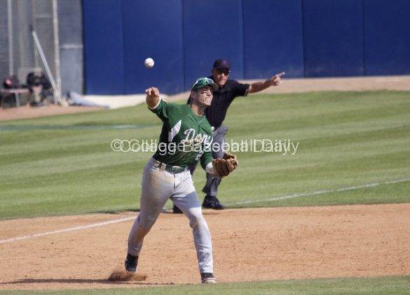 Aritz Garcia makes a play at third base.