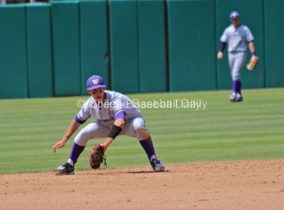 Ty Afenir makes a backhanded stop in the hole.