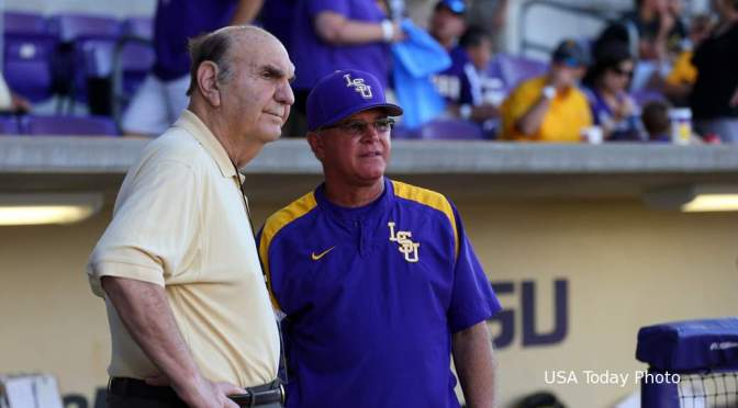Former LSU coach Skip Bertman fights off Burglars