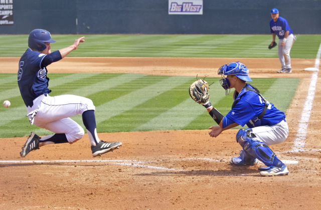 Taylor-Sparks-beats-the-throw-home-from-LF