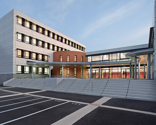 Collège val de l'Indre - cour