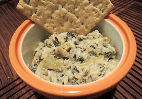 Baked vegan spinach artichoke dip from collegiatecook.com