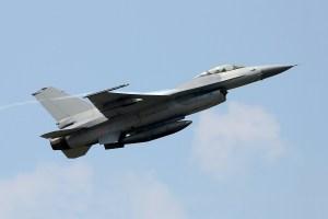 F-16 up