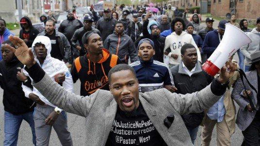 Baltimora dimostranti